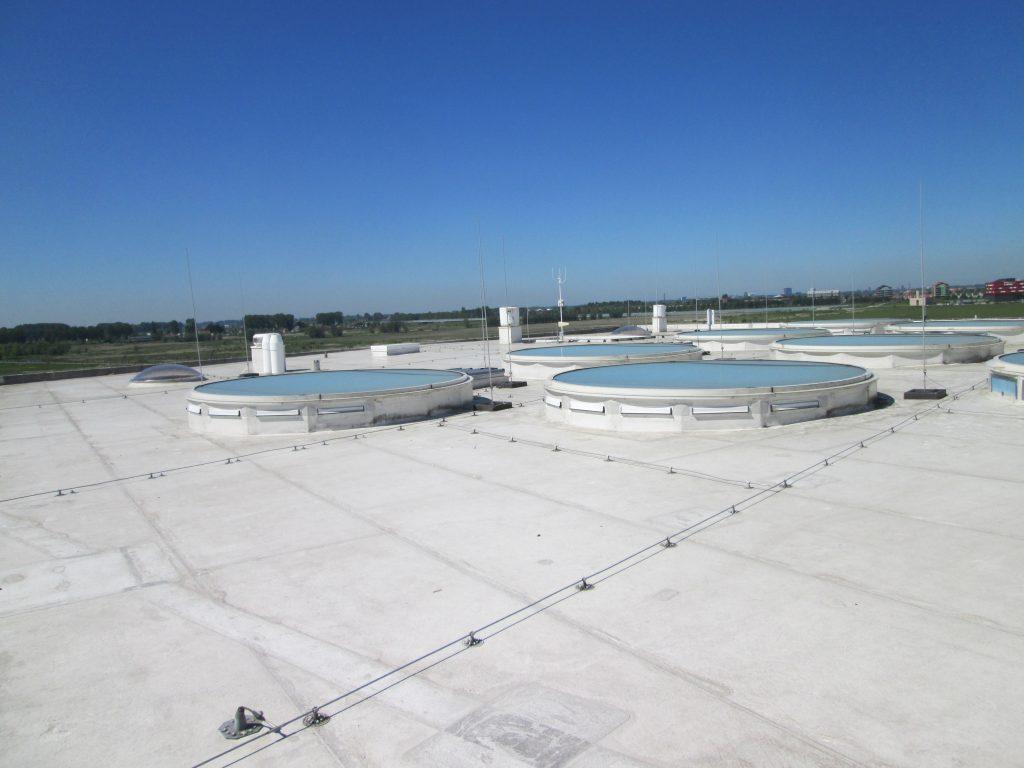 overzicht dakvlak met pvc afwerking