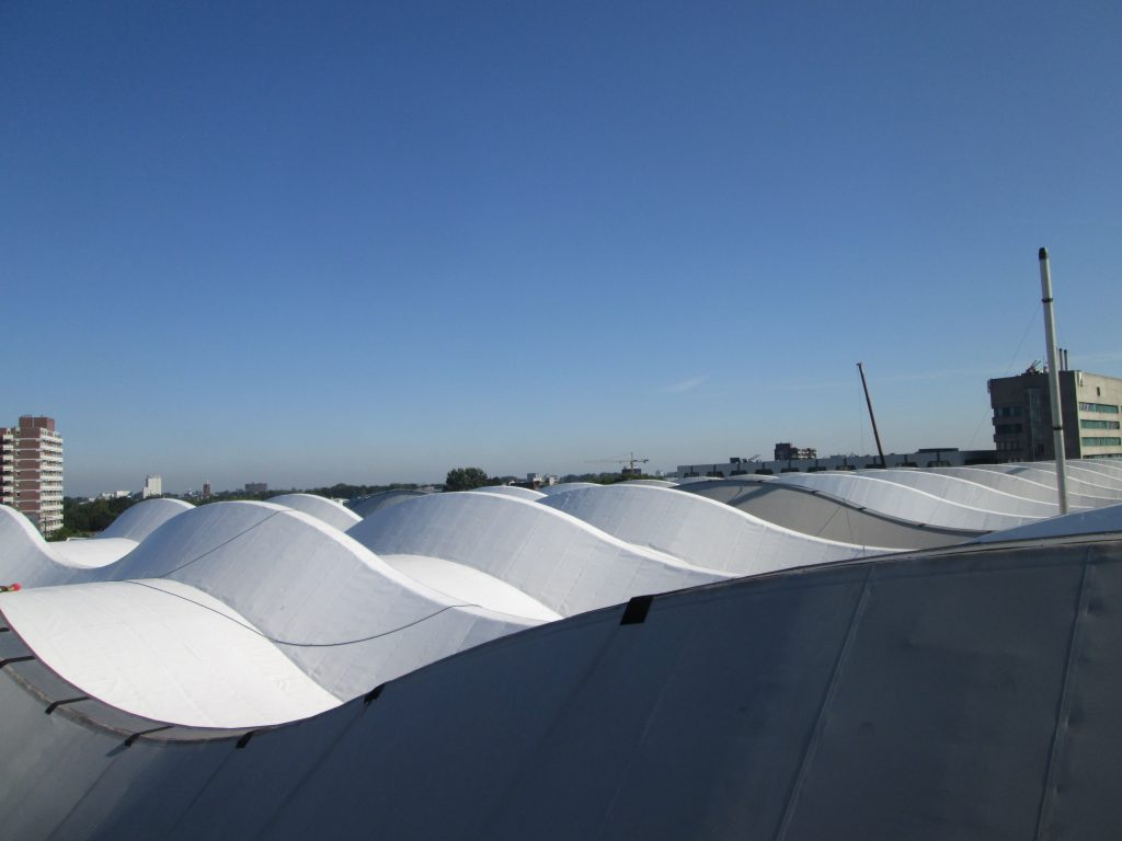 dakopname bijzondere golvende dakvorm